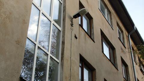 Uus tn 7а asuvas majas tahetakse riigile loovutada 11 000 euro suuruse võlaga korter.