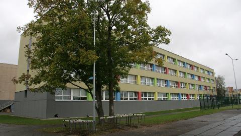 Jõhvi vene põhikooli õppekorpus tuleb tühjaks kolida ja ehitajale üle anda 5. jaanuariks.