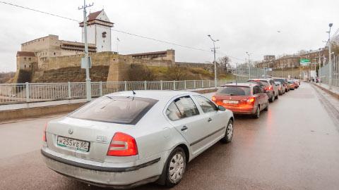Uuring näitab, et üha rohkem Eestisse saabuvaid Vene turiste ei piirdu ainult Narvaga, vaid liiguvad edasi mujale Ida-Virumaale ja sealt kaugemalegi.